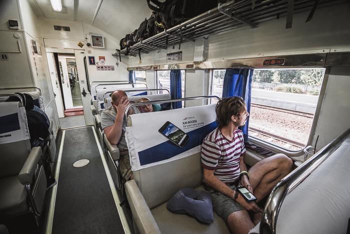 edu en el tren de yogyakarta